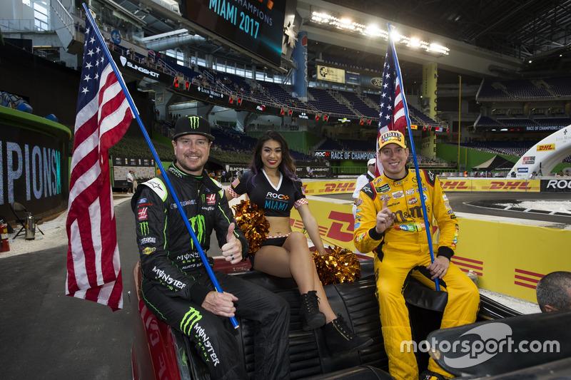 Team AS NASCAR Kurt Busch dan Kyle Busch