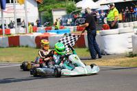 Давід Шумахер виграв першу гонку DKM