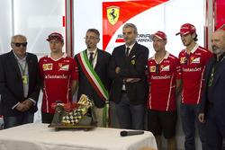 Kimi Raikkonen, Ferrari, Maurizio Arrivabene, Ferrari Team Principal, Sebastian Vettel, Ferrari and Antonio Giovinazzi, Ferrari Test and Reserve Driver