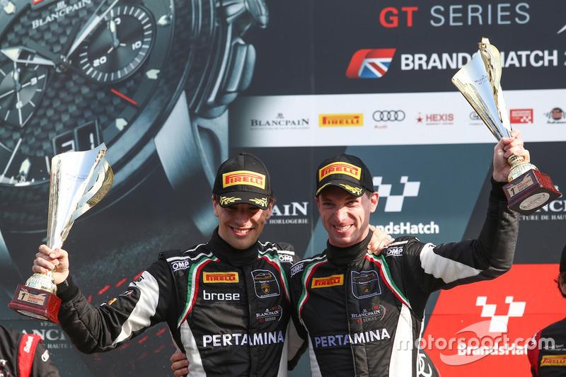I vincitori della gara Christian Engelhart, Mirko Bortolotti, GRT Grasser Racing Team