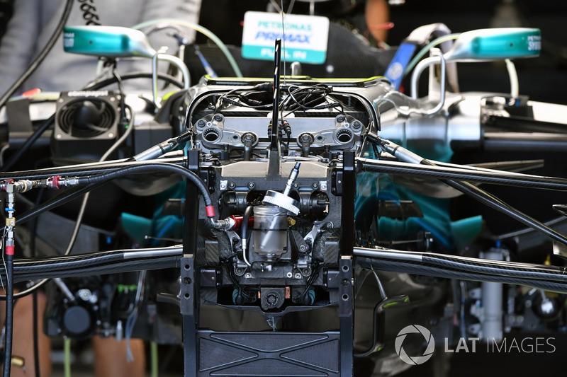 Передня підвіска та шасі Mercedes-Benz F1 W08