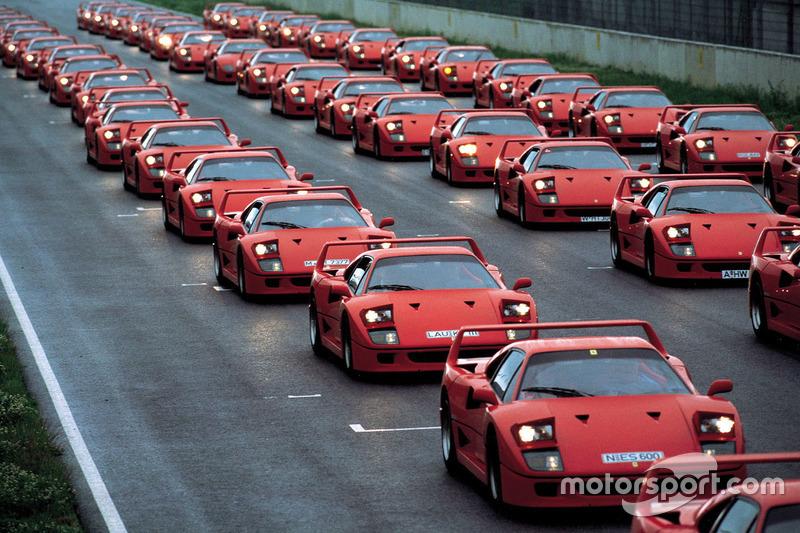 Ferrari F40 на події в німецькому клубі Ferrari в 1992