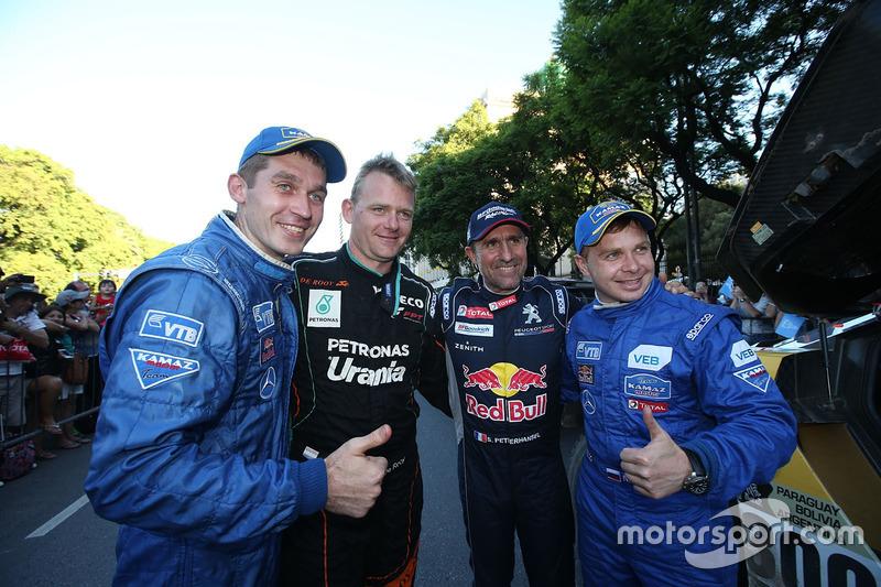 Gerard De Rooy, Team de Rooy; Stéphane Peterhansel; Peugeot Sport y Dmitry Sotnikov con Eduard Nikolaev