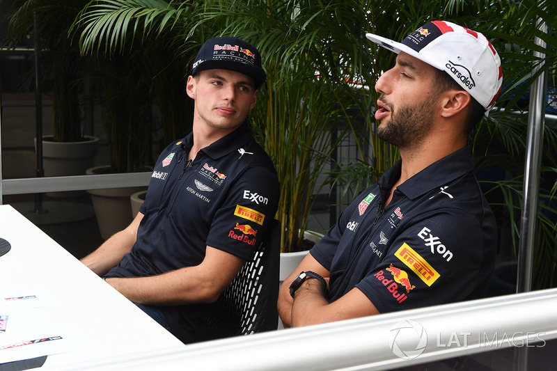 Max Verstappen, Red Bull Racing y Daniel Ricciardo, Red Bull Racing