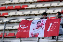 Des fans de Charles Leclerc, Alfa Romeo Sauber F1 Team