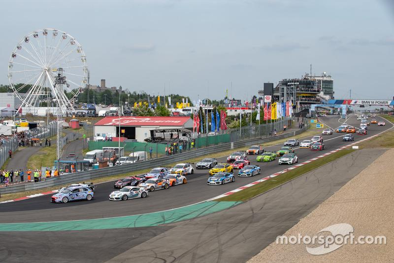 Никола Ларини, Мануэль Лаук, Андреас Гюлден, Петер Тертинг, Hyundai Motorsport N, Hyundai i30N TCR (№831)