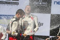 Победители Отт Тянак и Мартин Ярвеоя, Toyota Gazoo Racing WRC