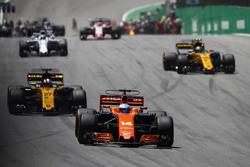 Fernando Alonso, McLaren MCL32, Nico Hulkenberg, Renault Sport F1 Team RS17, Carlos Sainz Jr., Renault Sport F1 Team RS17, Felipe Massa, Williams FW40, on the formation lap