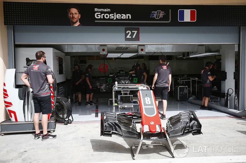 Romain Grosjean'ın garajı, Haas F1 Team VF-18 Ferrari
