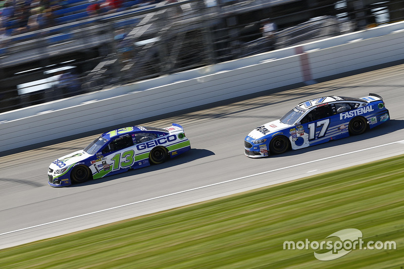 Casey Mears, Germain Racing Chevrolet, Ricky Stenhouse Jr., Roush Fenway Racing Ford