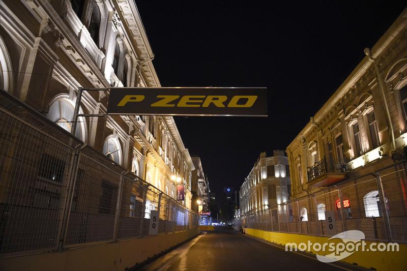 Ambiente de circuito de la ciudad de Bakú