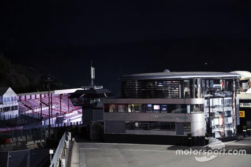 Motorhome: McLaren