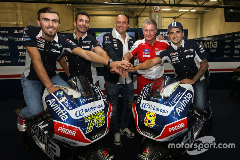 Loris Baz e Hector Barbera, Avintia Racing, Ducati with the team