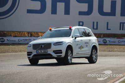 Volvo XC90 safety car