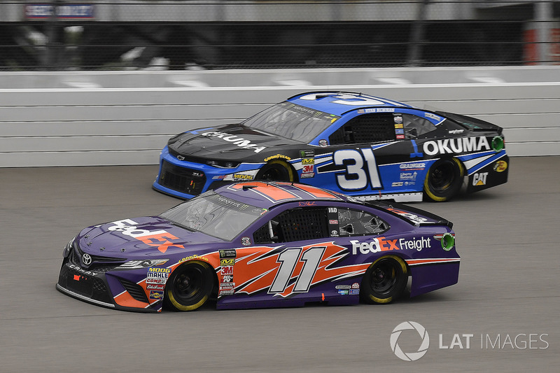 Denny Hamlin, Joe Gibbs Racing, Toyota Camry FedEx Freight e Ryan Newman, Richard Childress Racing