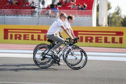 Valtteri Bottas, Mercedes AMG F1, cycles the circuit