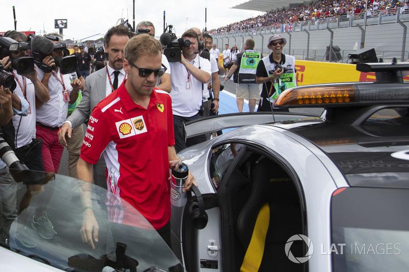 Sebastian Vettel, Ferrari a loupé le début de la parade des pilotes