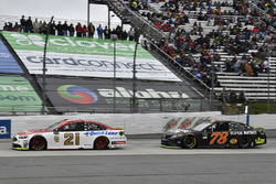 Ryan Blaney, Wood Brothers Racing Ford, Martin Truex Jr., Furniture Row Racing Toyota