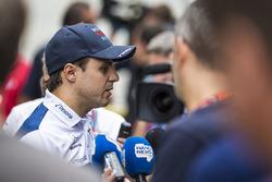 Felipe Massa, Williams talks to the media