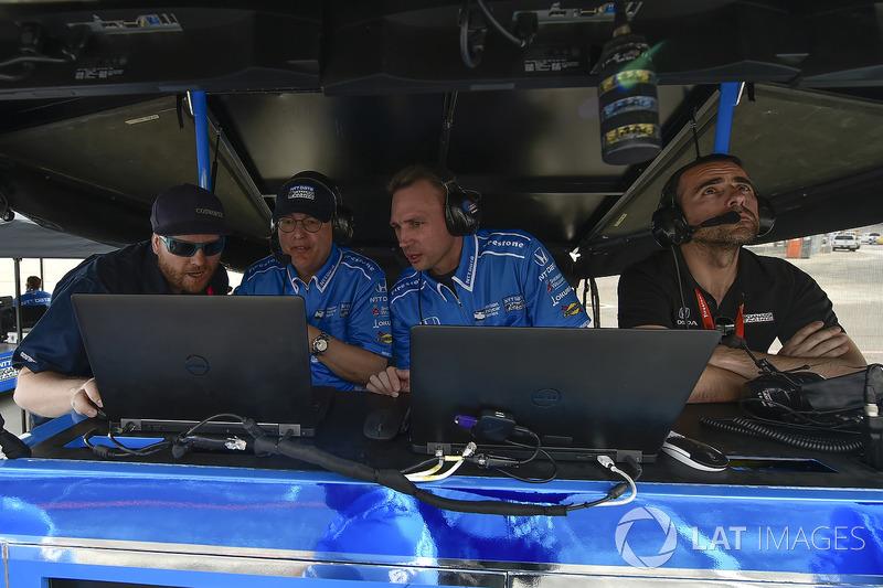 Ed Jones, Chip Ganassi Racing Honda, Dario Franchitti