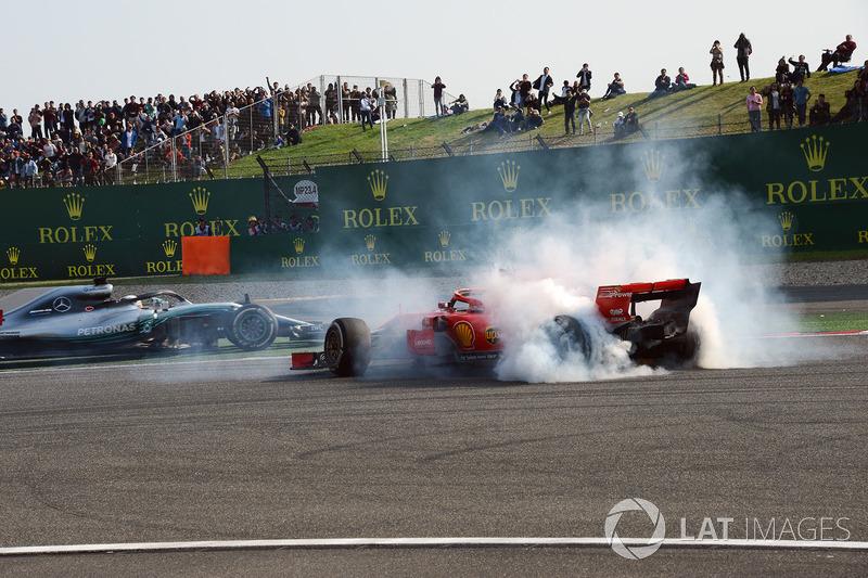 Insiden Max Verstappen, Red Bull Racing RB14 dengan Sebastian Vettel, Ferrari SF71H