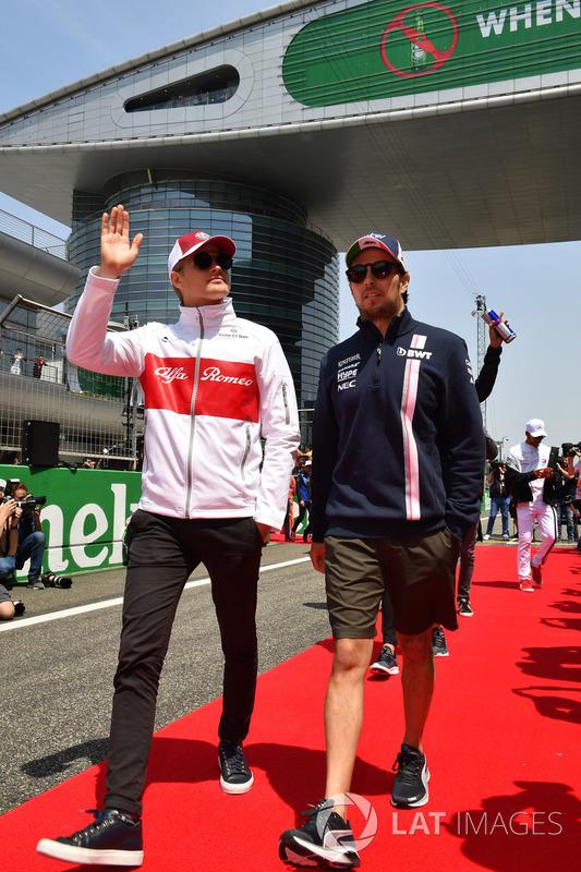 Marcus Ericsson, Sauber e Sergio Perez, Force India nella drivers parade