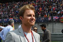 Nico Rosberg,Ambasciatore  Mercedes-Benz, in griglia