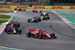 Kimi Raikkonen, Ferrari SF71H, Max Verstappen, Red Bull Racing RB14, Daniel Ricciardo, Red Bull Racing RB14, Kevin Magnussen, Haas F1 Team VF-18, Carlos Sainz Jr., Renault Sport F1 Team R.S. 18
