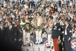Podium: 1. Jackie Stewart, March; 2. Bruce McLaren, McLaren; 3. Mario Andretti, March