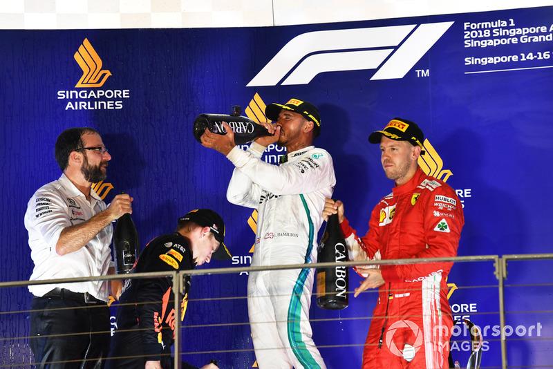 Podio: segundo lugar Max Verstappen, Red Bull Racing, ganador de la carrera Lewis Hamilton, Mercedes AMG F1 y tercer lugar Sebastian Vettel, Ferrari