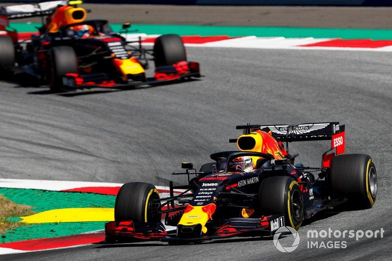 Max Verstappen e Pierre Gasly em ação na Áustria