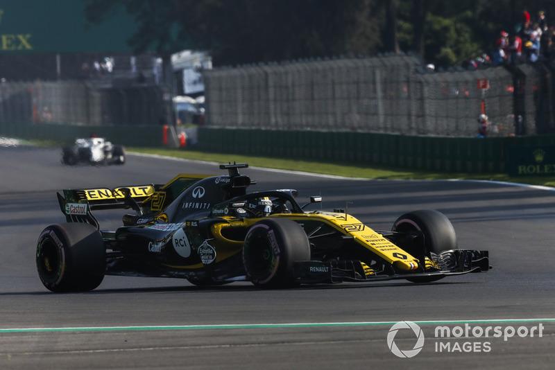 7: Nico Hulkenberg, Renault Sport F1 Team R.S. 18, 1:15.827