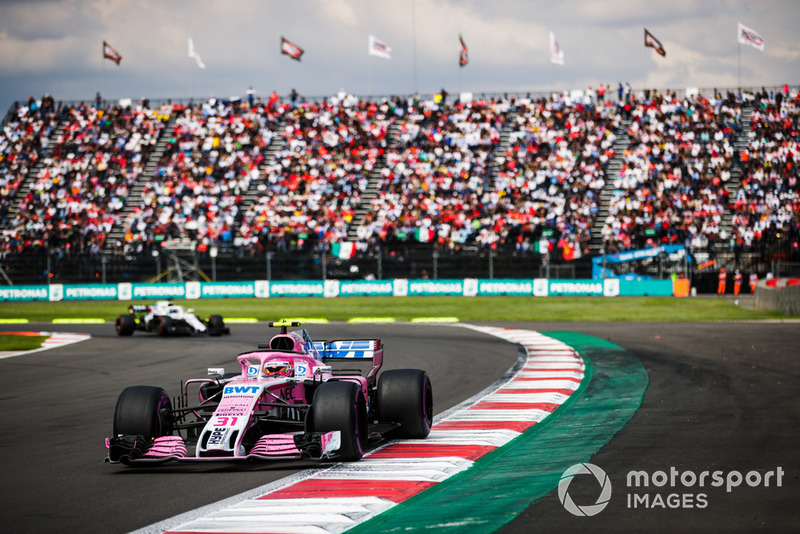 Esteban Ocon, Racing Point Force India VJM11, Lance Stroll, Williams FW41