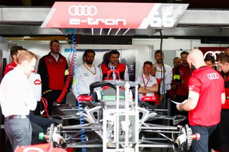 Allan McNish, Team Principal, Audi Sport Abt Schaeffler, in the garage