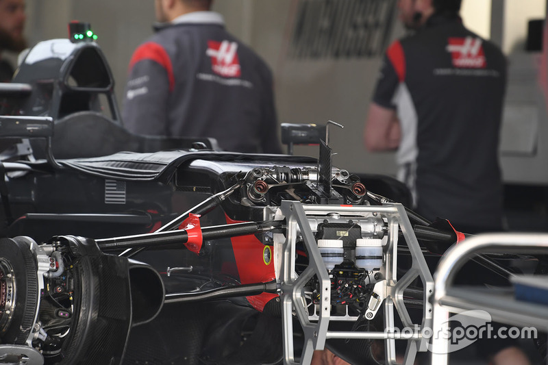 Haas F1 Team VF-17 front suspension and chassis detail