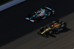 James Hinchcliffe, Schmidt Peterson Motorsports Honda, Spencer Pigot, Juncos Racing Chevrolet