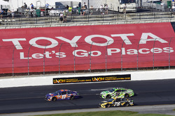 Denny Hamlin, Joe Gibbs Racing Toyota, Martin Truex Jr., Furniture Row Racing Toyota, Kyle Busch, Joe Gibbs Racing Toyota