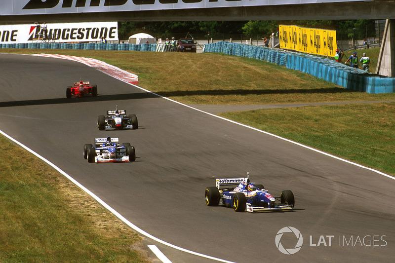 Жак Вільньов, Williams-Renault, Деймон Хілл, Arrows-Yamaha, Міка Хаккінен, McLaren-Mercedes, Едді Ірвайн, Ferrari
