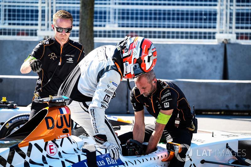 Loic Duval, Dragon Racing cambio de coches