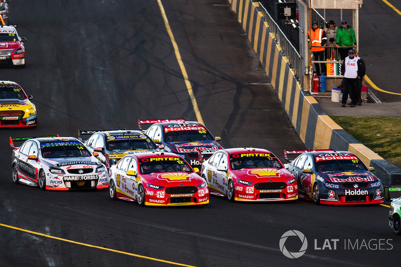 Fabian Coulthard, Team Penske Ford, Scott McLaughlin, Team Penske Ford, Shane van Gisbergen, Triple Eight Race Engineering Holden
