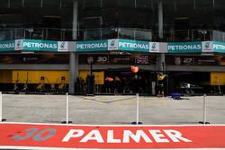 Garage de Jolyon Palmer, Renault Sport F1 Team