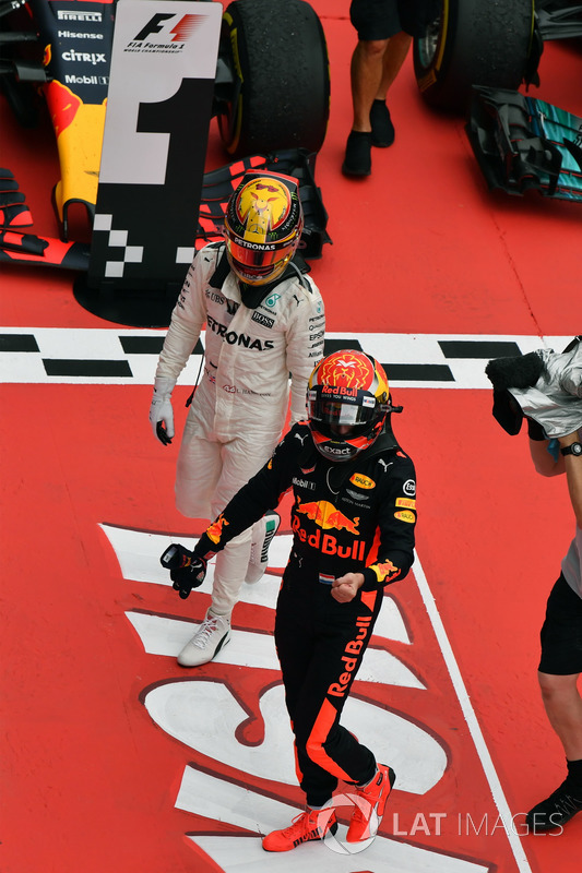 Льюіс Хемілтон, Mercedes AMG F1, Макс Ферстаппен, Red Bull Racing in parc ferme