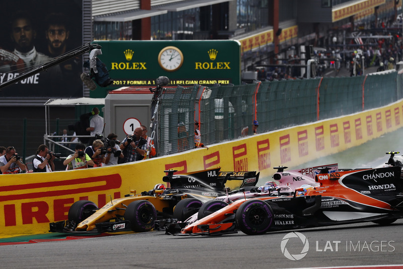 Ніко Хюлькенберг, Renault Sport F1 Team RS17, Серхіо Перес, Sahara Force India F1 VJM10, Фернандо Алонсо, McLaren MCL32