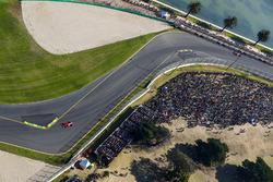 Kimi Räikkönen, Ferrari, SF70H; Max Verstappen, Red Bull Racing, RB13