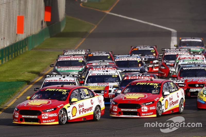 Fabian Coulthard, Team Penske, Ford; Scott McLaughlin, Team Penske, Ford