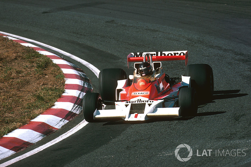 1977: James Hunt (McLaren M26 Ford)