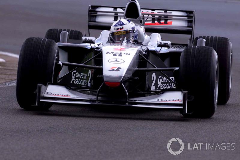 2000. Велика Британія. Девід Култхард, McLaren MP4/15
