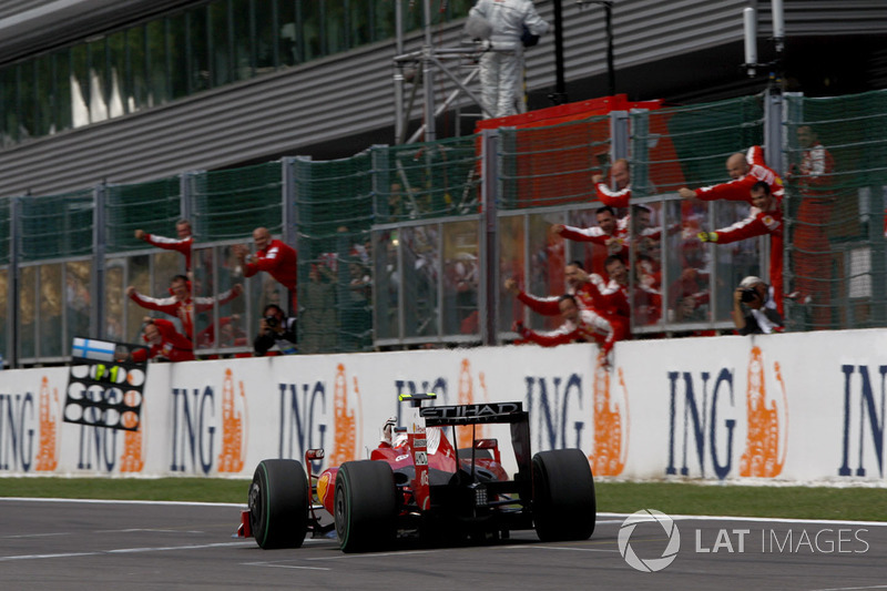 Race winner Kimi Raikkonen, Ferrari F60
