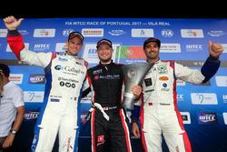 Подиум: победитель Роб Хафф, All-Inkl Motorsport, второе место – Том Чилтон, Sébastien Loeb Racing, третье место – Меди Беннани, Sébastien Loeb Racing