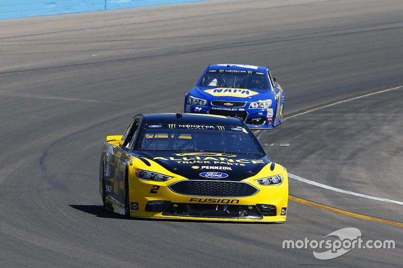 Brad Keselowski, Team Penske, Ford; Chase Elliott, Hendrick Motorsports, Chevrolet